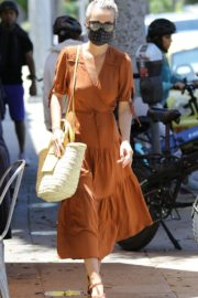 Laeticia Hallyday Out Shopping in Santa Monica 2020/06/06 6