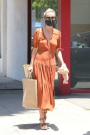 Laeticia Hallyday Out Shopping in Santa Monica 2020/06/06 8
