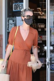 Laeticia Hallyday Out Shopping in Santa Monica 2020/06/06 9