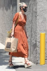 Laeticia Hallyday Out Shopping in Santa Monica 2020/06/06 11