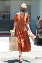 Laeticia Hallyday Out Shopping in Santa Monica 2020/06/06 12