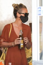 Laeticia Hallyday Out Shopping in Santa Monica 2020/06/06 13
