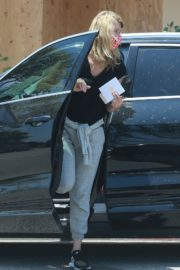 Laura Dern Out and About in Brentwood 2020/06/04 6