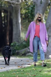Laura Dern Out with Her Dog in Pacific Palisades 2020/06/02 3