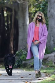 Laura Dern Out with Her Dog in Pacific Palisades 2020/06/02 4