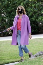 Laura Dern Out with Her Dog in Pacific Palisades 2020/06/02 5