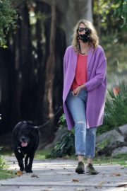 Laura Dern Out with Her Dog in Pacific Palisades 2020/06/02 8