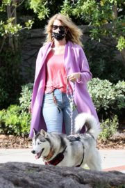 Laura Dern Out with Her Dog in Pacific Palisades 2020/06/02 9