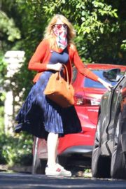 Laura Dern Out with Her Dogs in Santa Monica 2020/06/07 5