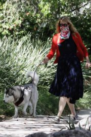 Laura Dern Out with Her Dogs in Santa Monica 2020/06/07 10
