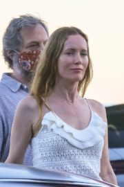 Leslie Mann and Judd Apatow Out for Dinner at Nobu in Malibu 2020/06/09 1