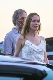 Leslie Mann and Judd Apatow Out for Dinner at Nobu in Malibu 2020/06/09 2