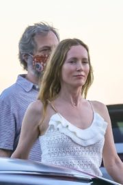 Leslie Mann and Judd Apatow Out for Dinner at Nobu in Malibu 2020/06/09 4