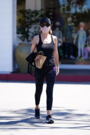 Lisa Rinna Shopping at Beverly Glen in Beverly Hills 2020/06/09 6