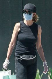 Lisa Rinna Wearing a Mask Out in Los Angeles 2020/06/13 1