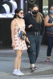 Lucy Hale Out at Jewelry District in Los Angeles 2020/06/10 5