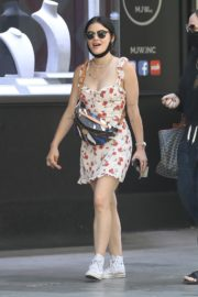 Lucy Hale Out at Jewelry District in Los Angeles 2020/06/10 6