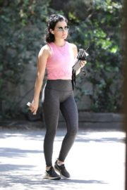 Lucy Hale Out Hiking in Los Angeles 2020/06/11 4