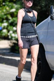 Melanie Griffith Out Hiking in Los Angeles 2020/06/12 5