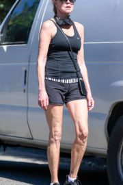 Melanie Griffith Out Hiking in Los Angeles 2020/06/12 8