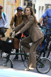 Melissa George Riding a Bike Out in Paris 2020/06/10 4