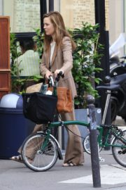 Melissa George Riding a Bike Out in Paris 2020/06/10 6