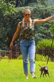 Michelle Hunziker Out with her Dogs in a Park in Bergamo 2020/06/02 2