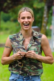 Michelle Hunziker Out with her Dogs in a Park in Bergamo 2020/06/02 3