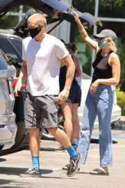Miley Cyrus and Cody Simpson Out Shopping in Calabasas 2020/06/09 1