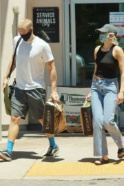 Miley Cyrus and Cody Simpson Out Shopping in Calabasas 2020/06/09 2