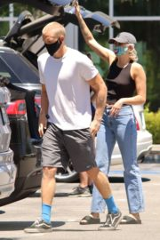 Miley Cyrus and Cody Simpson Out Shopping in Calabasas 2020/06/09 6