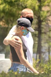 Miley Cyrus and Cody Simpson Out Shopping in Calabasas 2020/06/09 11