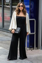 Myleene Klass seen in Stylish Outfit at Global Studios in London 2020/06/03 4