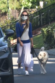Olivia Wilde Out with Her Dog in Los Angeles 2020/06/07 1