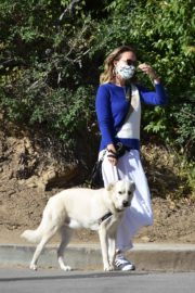 Olivia Wilde Out with Her Dog in Los Angeles 2020/06/07 3