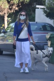Olivia Wilde Out with Her Dog in Los Angeles 2020/06/07 6