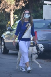 Olivia Wilde Out with Her Dog in Los Angeles 2020/06/07 13
