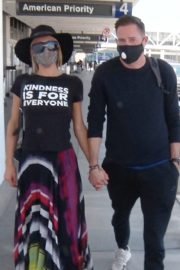Paris Hilton and Carter Milliken Reum at LAX Airport in Los Angeles 2020/06/11 8