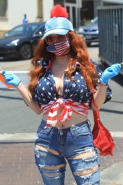 Phoebe Price at Black Lives Matter Protest in West Hollywood 2020/06/03 3