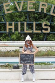 Phoebe Price Out Protesting Banner Photoshoot in Beverly Hills 2020/06/01 5