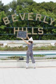 Phoebe Price Out Protesting Banner Photoshoot in Beverly Hills 2020/06/01 6