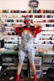 Phoebe Price Shows Off Her Variety of Face Masks 2020/06/04 1