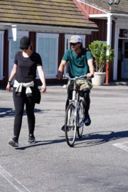 Pregnant Christina Schwarzenegger Riding Her Bike Out in Brentwood 2020/06/09 1