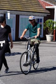 Pregnant Christina Schwarzenegger Riding Her Bike Out in Brentwood 2020/06/09 4