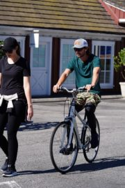 Pregnant Christina Schwarzenegger Riding Her Bike Out in Brentwood 2020/06/09 5