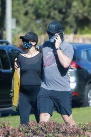 Pregnant Katherine Schwarzenegger and Chris Pratt Out in Santa Monica 2020/06/01 5