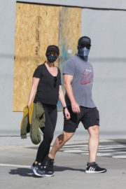 Pregnant Katherine Schwarzenegger and Chris Pratt Out in Santa Monica 2020/06/01 11
