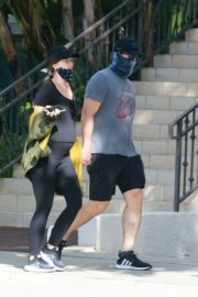 Pregnant Katherine Schwarzenegger and Chris Pratt Out in Santa Monica 2020/06/01 14