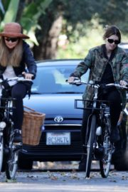Pregnant Katherine Schwarzenegger Out Riding Bike in Los Angeles 2020/06/13 1