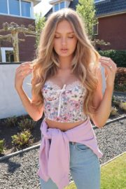 Pregnant Romee Strijd show baby bump photos shared in Instagram 2020/06/14 4